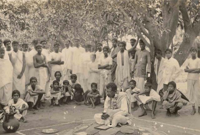 Nandalal Bose being felicitated at Santiniketan's Amrakunja